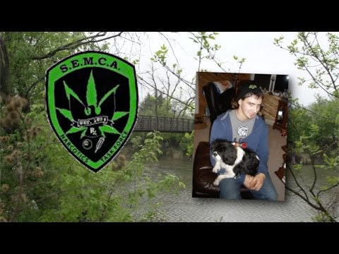The Disposable Life of a 20 Year-Old Confidential Informant - YouTube