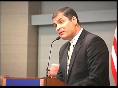 Rafael Correa, Reconocimiento logro academico de la U. de Champaign de  Illinois, EEUU,  08-04-2010