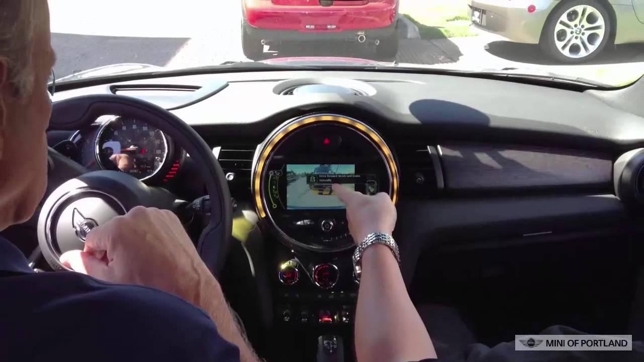 Mini F56 Park Ist Demonstration
