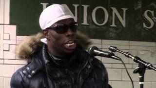 New York Manhattan Subway Singer - 02 mp4