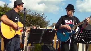 4th Street performing Travellers Tune by Ocean Colour Scene.