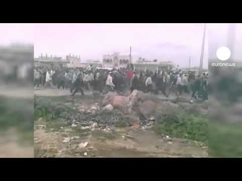 Syrian police release scores of protesters