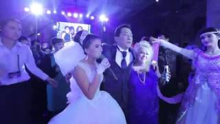 Невеста и мать жениха. Очень трогательно!