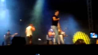 Andy y Lucas - Tus miradas (Málaga 17-08-13)