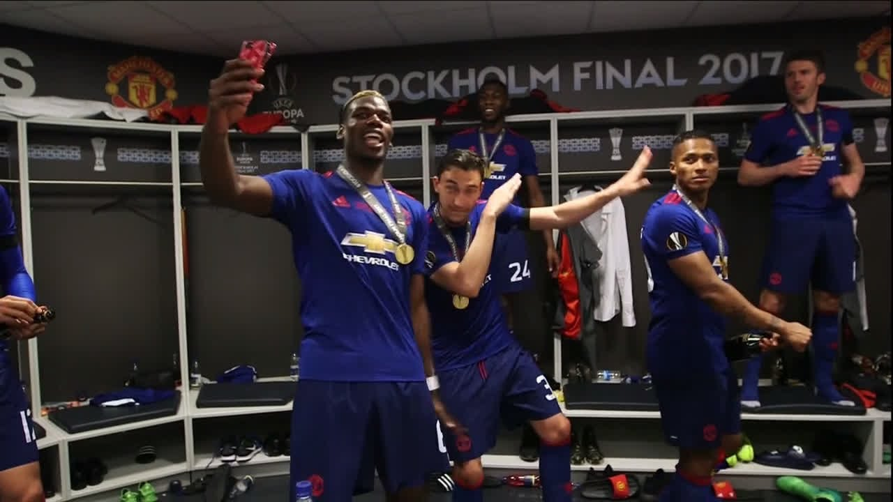 Inside Man Utd S Dressing Room After Their Europa League Final Victory Youtube