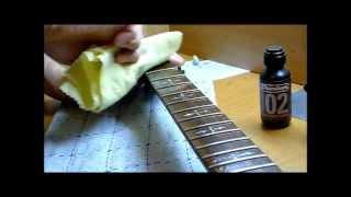 Dunlop System 65 Как ухаживать за электрогитарой, уход, чистка, полировка.(Краткое видео о том, как использовать набор Dunlop System 65 для ухода за гитарой. Куплен в США - в наличии в Украине..., 2013-04-17T13:15:07.000Z)