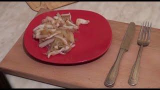 Как приготовить вкусные кальмары? Простой рецепт приготовления вкусных кальмаров!(Простой и незатейливый рецепт приготовления кальмаров. Чтобы приготовить вкусные кальмары - главное их..., 2014-08-02T11:46:48.000Z)