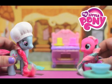 My Little Pony MLP Crystal Bakery Princess Celebration featuring Princess Twilight Sparkle!