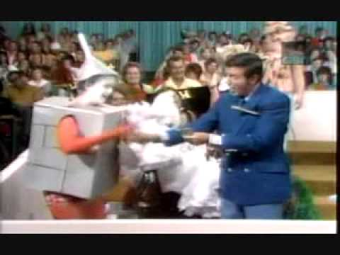 Let's Make A Deal (Episode 1) (1971 Syndicated Episode)