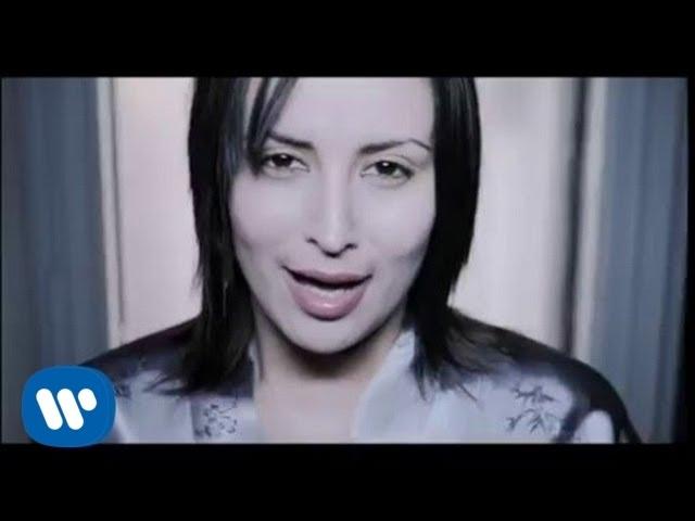 Julie - Shout (Official Music Video)