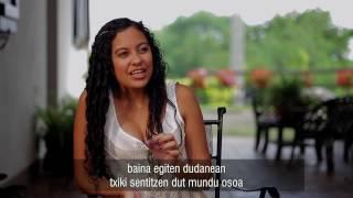 """""""Mundu bat ahoz aho"""" dokumentalaren trailerra"""