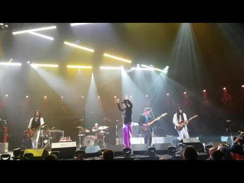 The Tragically Hip - Puttin down (partial) Final show of Man Machine Poem Tour Kingston Aug 20 2016