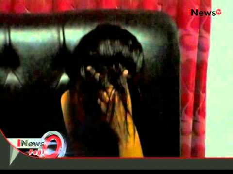 Janda mesum digrebeg warga sedang berduaan bersama petugas panwaslu - iNews Pagi 08/01