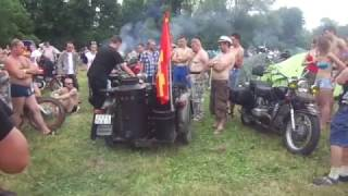 """Первый выезд """"в люди"""" мотоцикла на дровах. Мотоудар 2013. часть 2"""