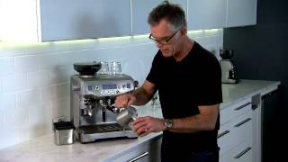 Latte Art Demonstration: the Oracle with Phil McKnight
