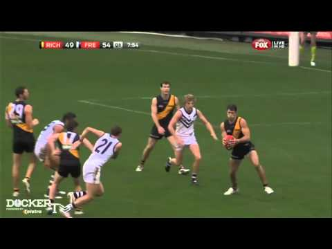 Rd 11 - PLAYS OF THE DAY: Michael Barlow's smother