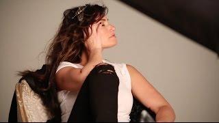 Idina Menzel - Behind the Scenes of the idina.
