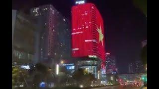 1001 cách ăn mừng của CĐV Việt Nam sau chiến thắng trước Philippines