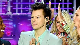 Harry Styles Performs In Front Of THREE Exes At Victoria's Secret Fashion Show