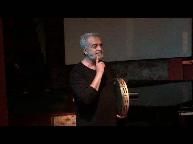 Massimo Carrano suona per