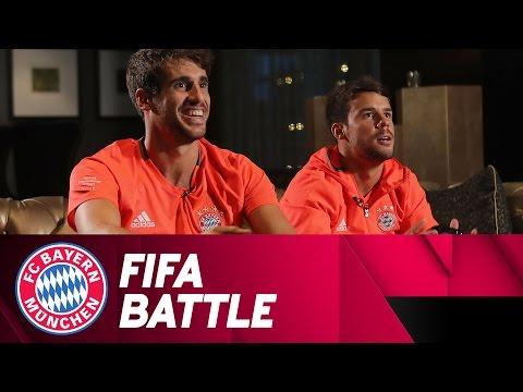 Javi Martínez & Juan Bernat – FIFA battle   #AudiFCBTour