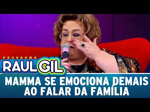 Mamma se emociona demais ao falar da família | Programa Raul Gil   (25/03/17)