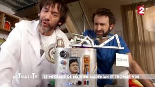 Mathieu Madénian et Thomas VDB inventent la machine à voter Mélenchon