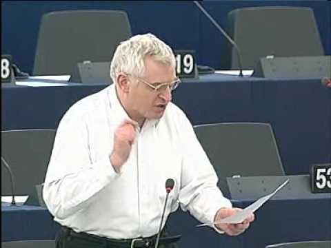 Joe Higgins MEP challenges the hypocritical condemnation of Hugo Chavez by establishment (11-02-10)