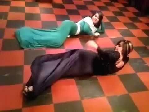 4ed4827939b4b رقصة دقني لبنتين الباشا 2013 YouTube.mp4 - YouTube