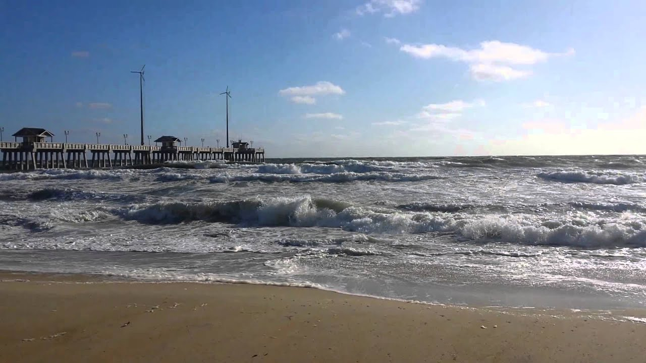 Rough Waves At Jennette S Pier In Nags Head North Carolina