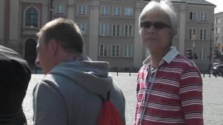 ドイツ軍に抵抗したポーランド兵士の像 ナチス酷似旗 検索動画 7