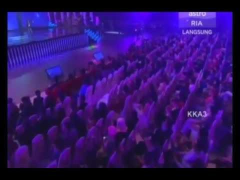 Anugerah Industri Muzik 2011 | Ezad Exist, Rahmad Mega, Elly AXL's & Zamani Slam (Medley)