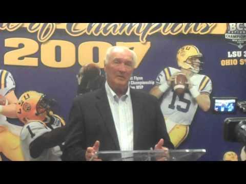 Billy Cannon speaks at Tiger Rag Legends of LSU event