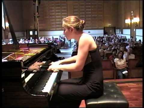 Oxana Shevchenko performs Beethoven Piano Sonata op. 27 no.1, 3&4 movements