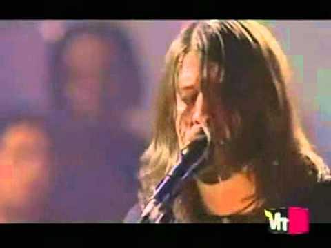 Foo Fighters - Wheels Live (lyrics)