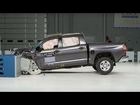 2016 Toyota Tundra crew cab moderate overlap test