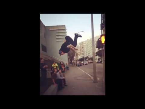3 videos best Parkeur tricks 😨