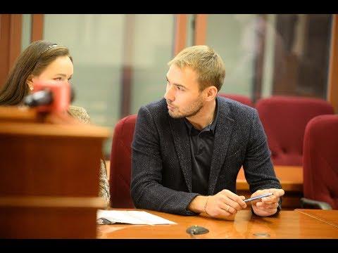 Антон Шипулин комментирует иск о снятии его с выборов в Госдуму