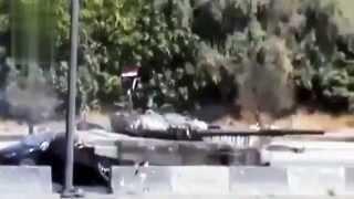 Сирия. Эвакуация тел убитых террористами водителей на шоссе.