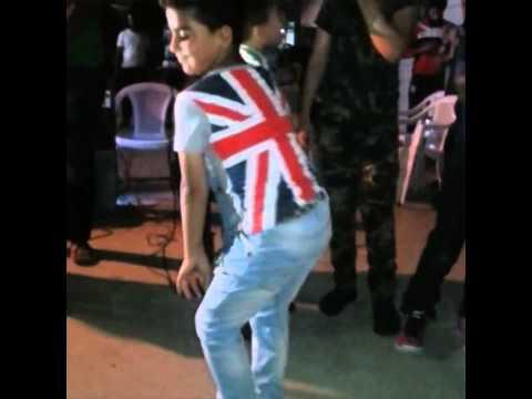 رقص طفل عراقي 2015 فد شي لاتنسون الاشتراك👇 +لايك👍 thumbnail