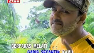 Yus Yunus Gadis Malaysia Karaoke