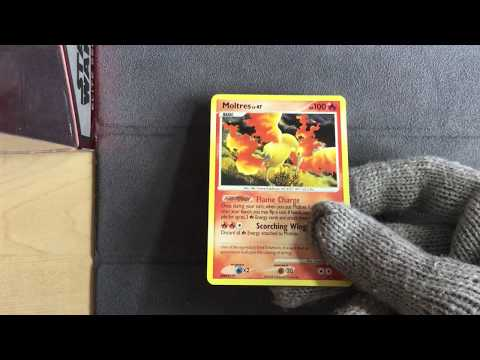 Moltres 10/100 Holo - Pokemon Diamond & Pearl Majestic Dawn