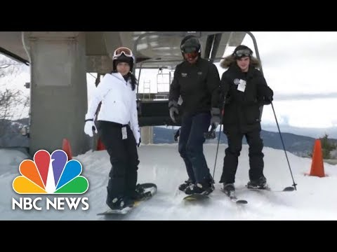 Gabbard Hits The Slopes With New Hampshire Voters Ahead Of Primary | NBC News NOW