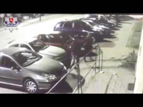 Nastoletni wandale zniszczyli blisko 30 samochodów