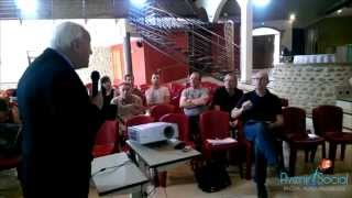 Claude Reichman remet à sa place un huissier à Valence, le 22 juin 2015