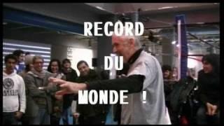 george eddy bat le record du monde de lancers francs dos au panier en une minute