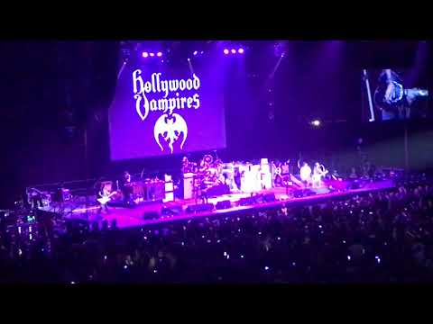 Baba O'Riley (The Who cover) - The Hollywood Vampires @ Manchester Arena : 17th June 2018