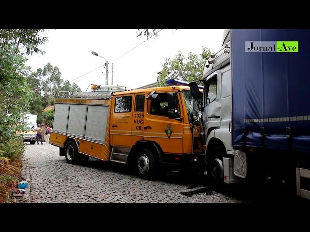 4 bombeiros feridos em acidente