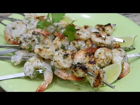 Grilled Cilantro Lime Shrimp Featuring Oak Leaf BBQ Kitchenware!