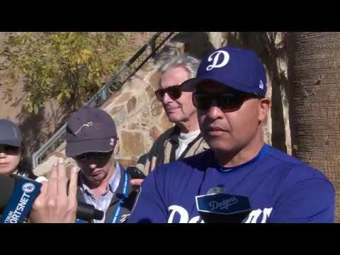 Dave Roberts talks Dodgers' theme for 2017, expectations Kenta Maeda and Hyun-Jin Ryu face